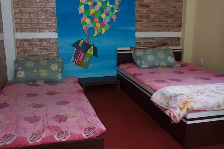Room With Two Single Beds With Free Kirtipur Tour