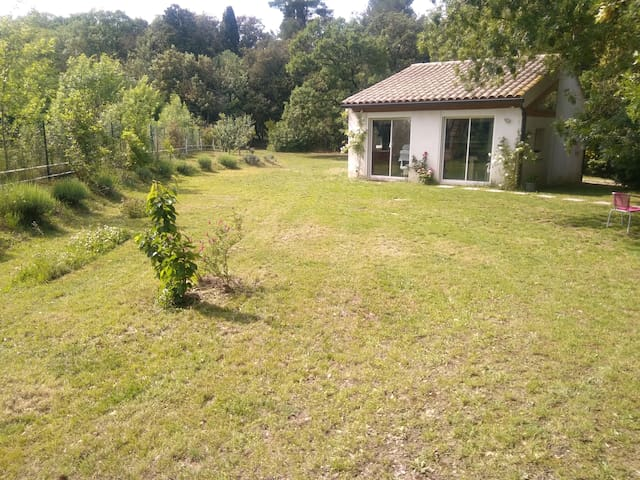 Villa cocon en pleine nature, entre Lac et Cité