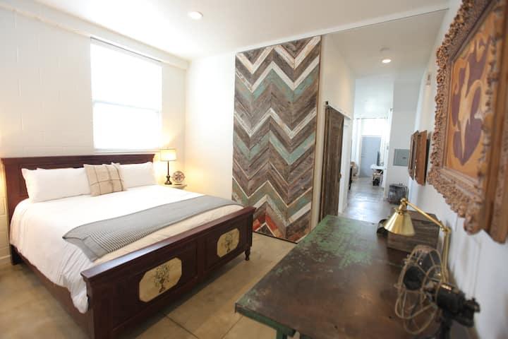 Epic Apartment, Safe, Clean & Accessible