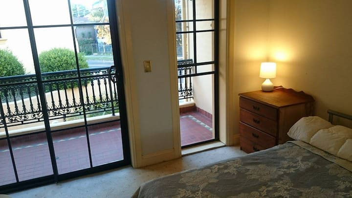 Double room or Single near the Airport