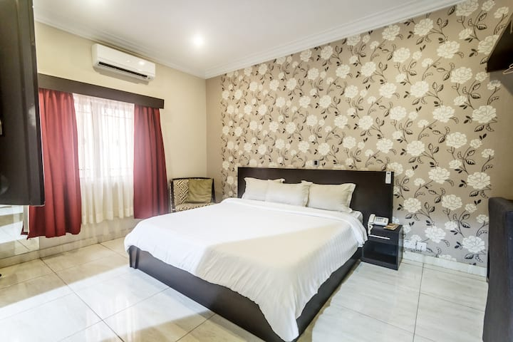 House 56-Deluxe Room