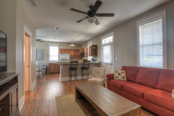 30A Bungalo#4: 2Bed/2Bath:  400 yards to beach