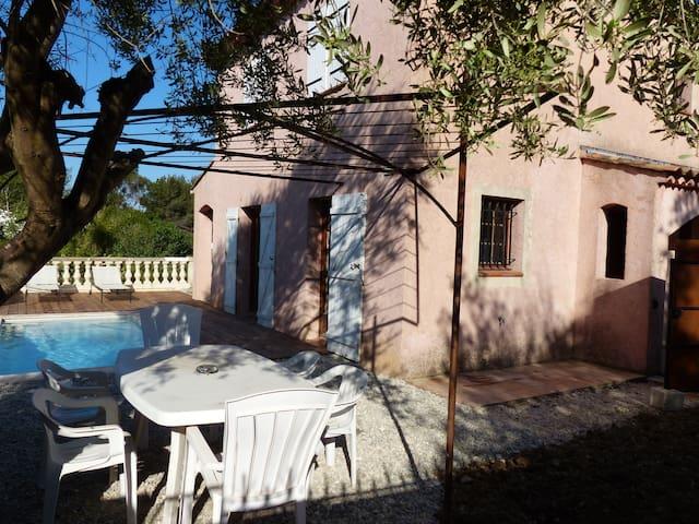 Jolie villa provençale avec piscine proche plages - Le Pradet - วิลล่า