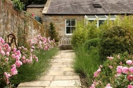 Priory Cottage - romantic hideaway for two