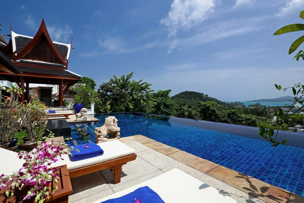 Pool and sun terrace with view to Bang Tao bay