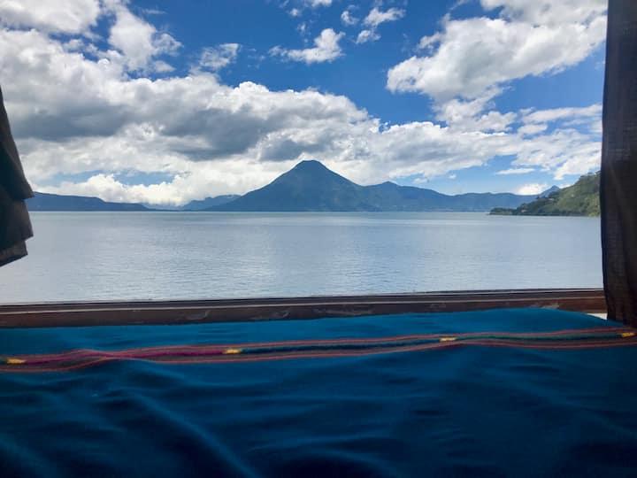 Casita en Bahía a orillas del Lago de Atitlán