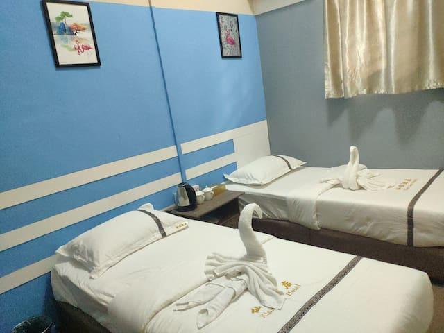 仙蓝酒店xian lan特价 标准双人房 独立浴室  中国人房东 包含早餐 位于仙本那镇 可安排接机