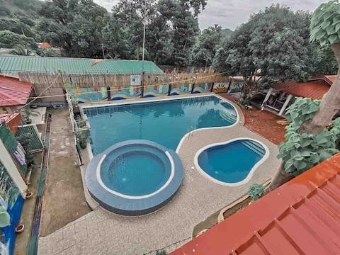 Affordable GuestHouse in Mariveles/ near 5Fingers