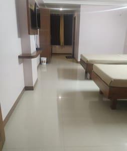 Ratna Sangam Residency A/c Twin Bed, Yaragatti