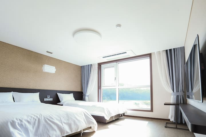 Big sale Jeju Seongsan Hotel 3 people #4