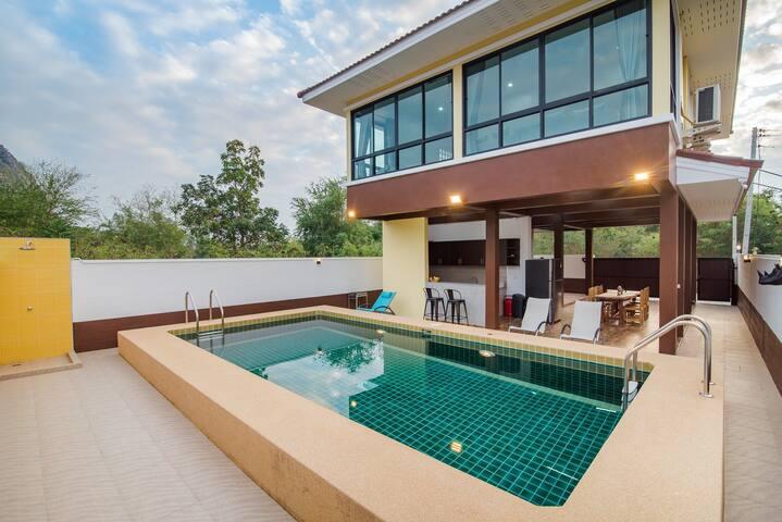 Luna Pool Villa. stay Around nature