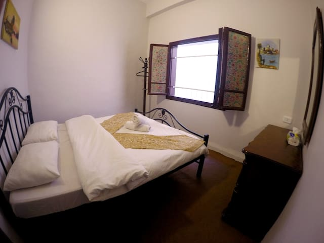 Double Room with Shared Bath - Amman - Bed & Breakfast