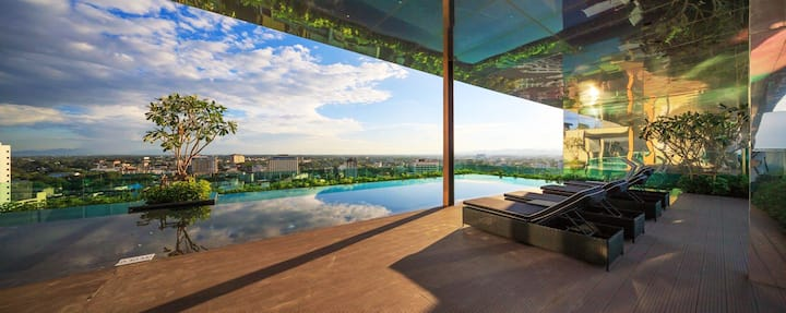 Panorama view & Rooftop Pool, Close Night Bazaar