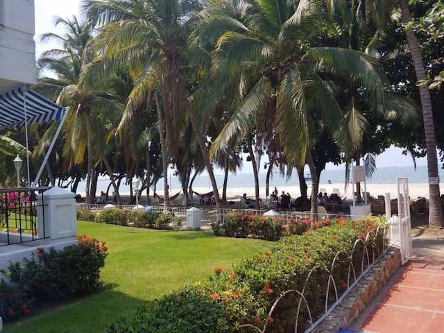 Costa Azul, apto duplex, playa privada y piscinas. - Santa Marta