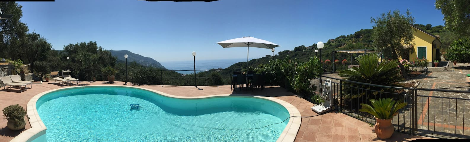 beb : seaview and pool - Moneglia