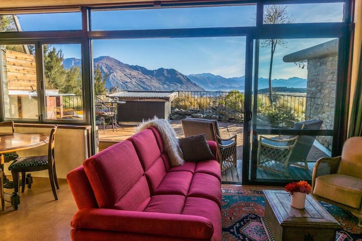 Gecko stunning lake & mountain views, privacy