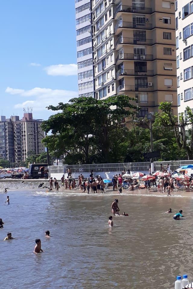 Prédio enfrente a praia
