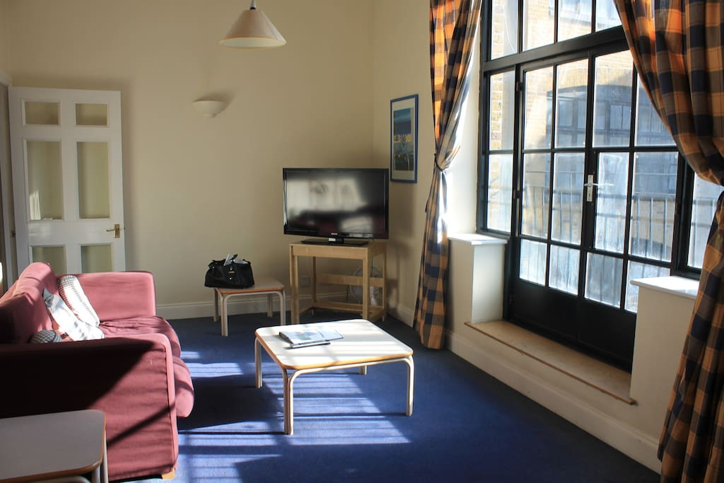 Please note that we have more than one apartment in this building. These pictures (showcasing more than just one studio flat) reflect the overall standards of these apartments.