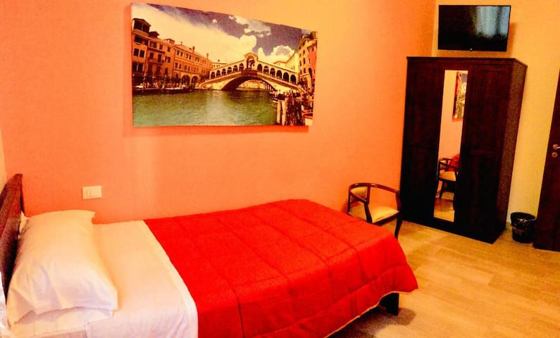 Ca San Giuliano Single Room Shared Bathroom