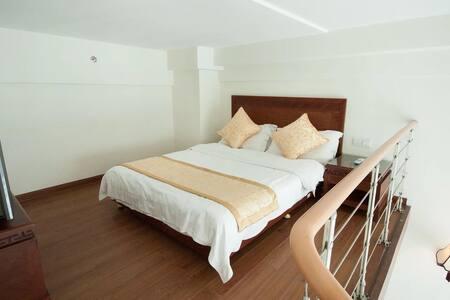 三亚湾阳光海岛海边度假公寓+阁楼复式家庭房(4人间)1晚(离海近+生活交通方便) - Sanya - Wohnung