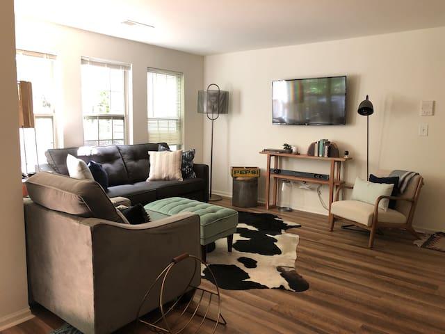 Luxury 1 Bedroom, Entire Apartment
