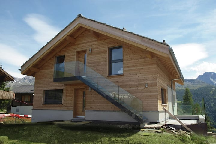 Gorgeous Chalet in Rosswald in prime location