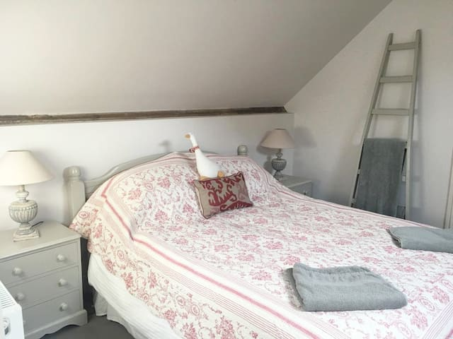 Double Room with Sitting room in Selborne