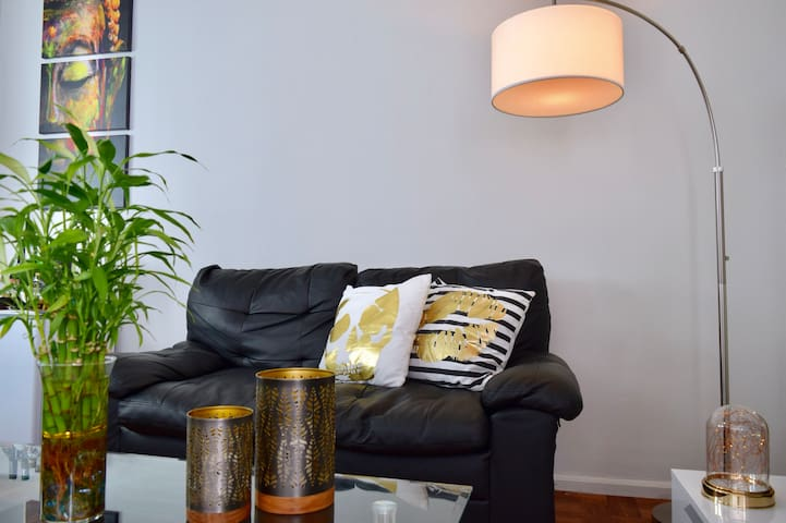 PRIVATE ROOM 15 minutes from Manhattan NYC