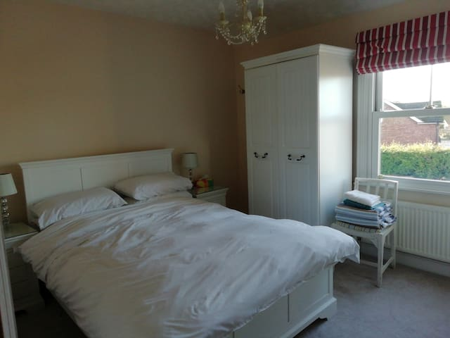 White  room in Crown Cottage