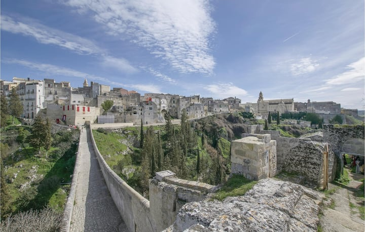 Amazing home in Gravina in Puglia -BA- with WiFi and 2 Bedrooms