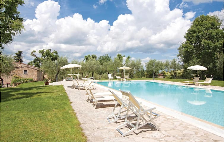 Holiday apartment with 2 bedrooms on 39 m² in San Donato in P. FI
