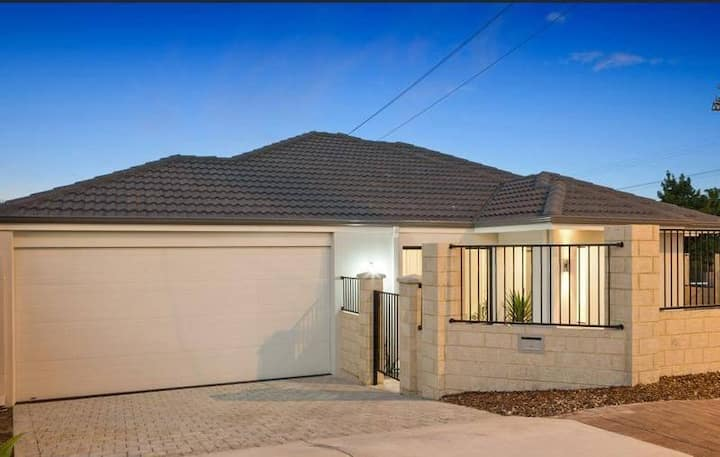 New villa in Rivervale close to Crown/City/Airport