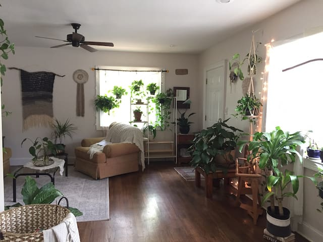 Private bedroom & bath in a plant filled bungalow