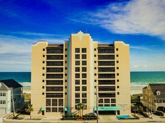 Direct Oceanfront 2 Bedroom Condo -Newly Renovated