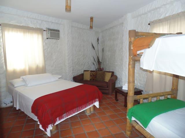 Acogedora y cómoda casa de hospedaje.