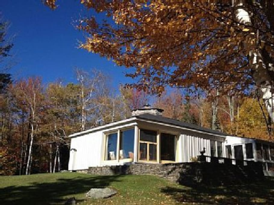House, terrace, and screened-in porch.