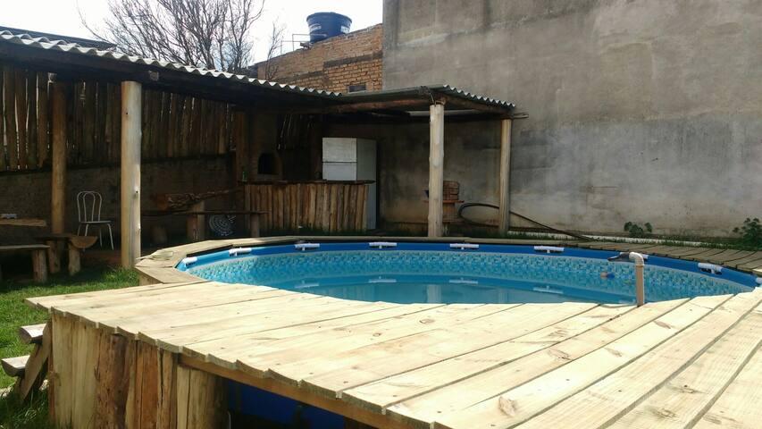 Ótima casa com piscina em Cruzília mg