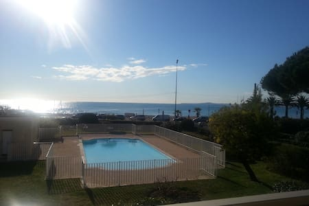 Appartement, face à la mer, piscine,parking - Cagnes-sur-Mer - Appartement