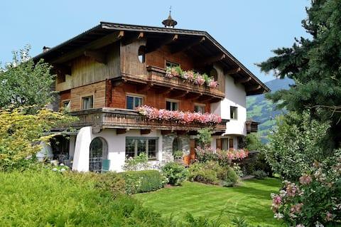 Gemütliche Ferienwohnung in Haus mit Garten&Sauna