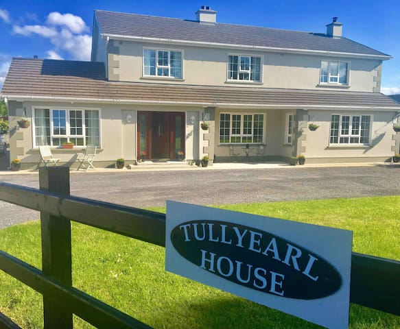 Tullyearl House