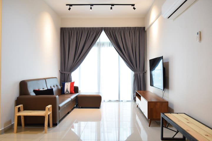 Short Term Rental-6pax Condo CP13: SPICE, Airport
