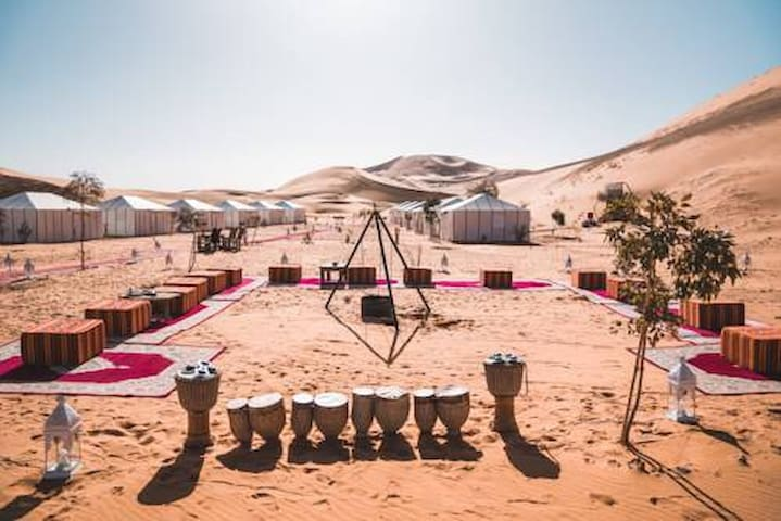 Desert luxury Camp, Camel treks; 125€ per pax