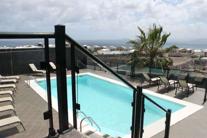 Villa CASTILLO in Playa Blanca for