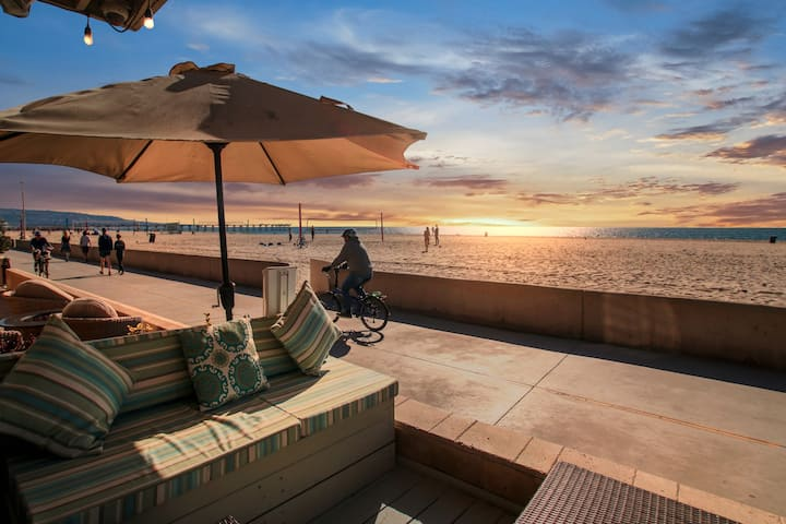 The Strand Ocean Front Breathtaking Hermosa Oasis
