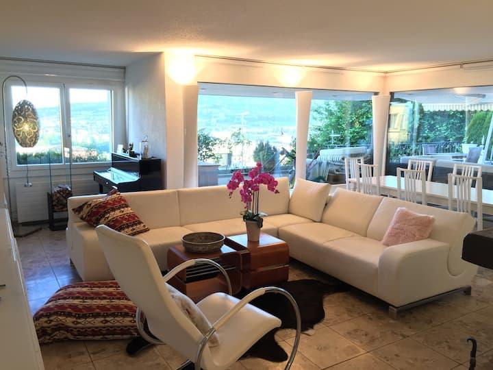 Luxuriöses Einfamilienhaus, Pool und Sauna nähe ZH