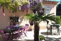 Agréable maison en Provence verte