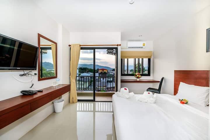 The Topaz Residence Room 5