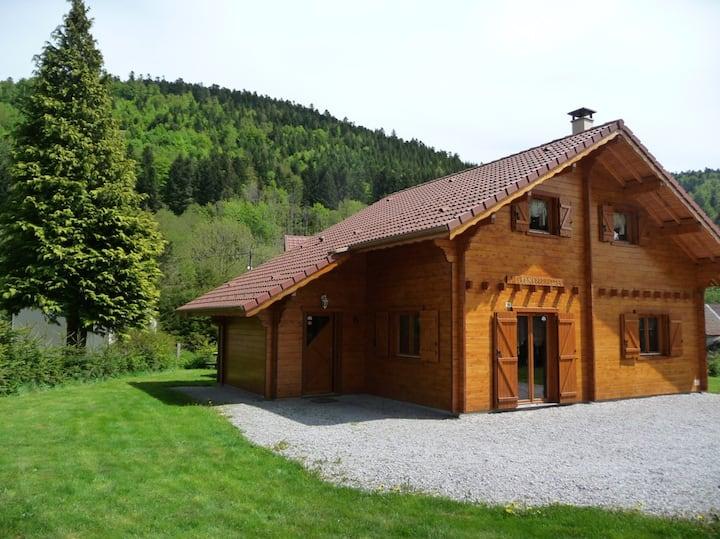 Magnifique chalet avec jacuzzi,sauna et wifi