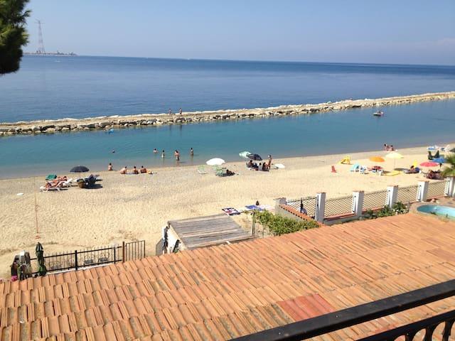 Trilocale a Porticello con balcone vista mare