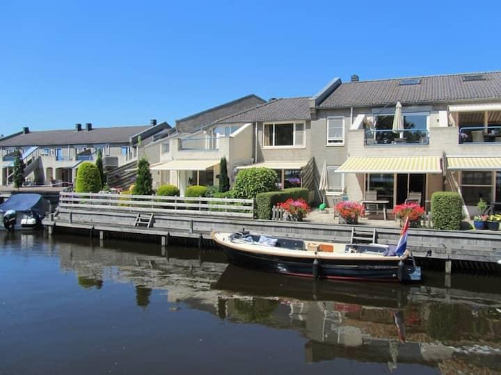 Vakantieappartement met uitzicht, nabij Giethoorn